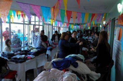 Importante participación de vecinos en nueva Feria de Pulgas Municipal