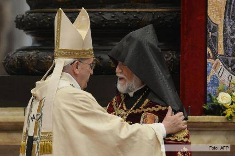 A días del centenario, Francisco calificó el genocidio armenio como