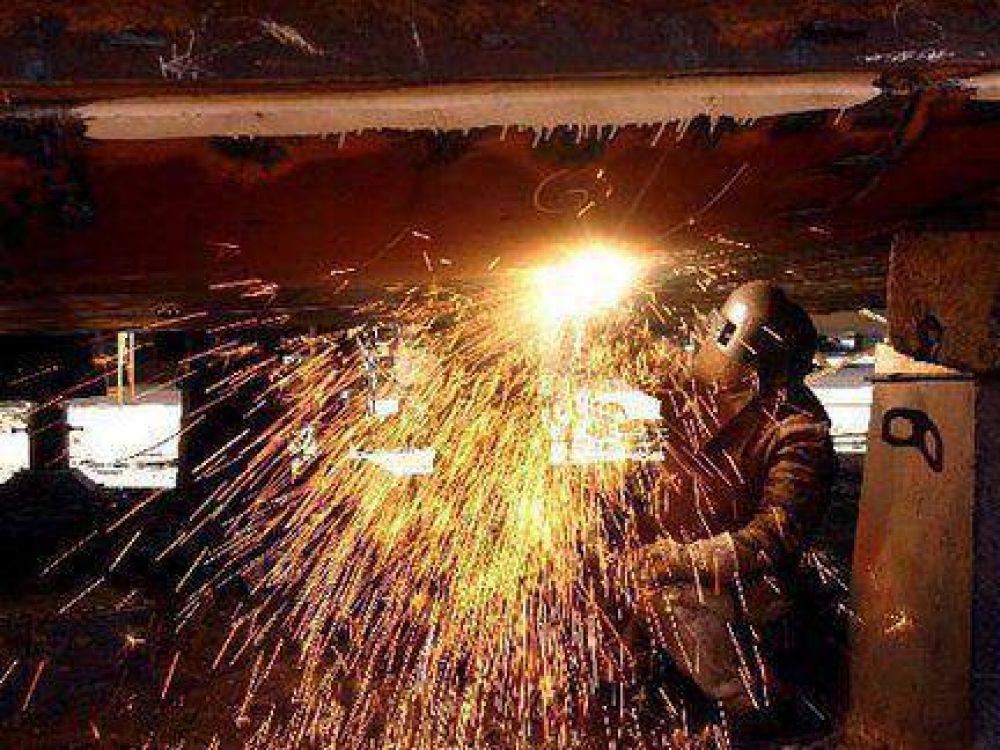 Trabajadores metalúrgicos piden un 32 por ciento de aumento