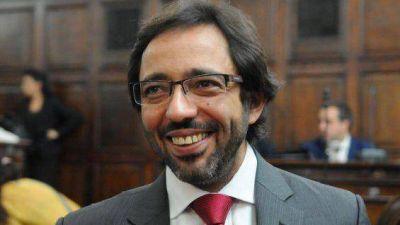A tres años de la suspensión a De Rosas, asume el nuevo fiscal de Estado