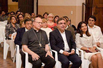Inauguran las obras de remodelación y fusión de las bibliotecas Vicario Segura y Bernabé Piedrabuena