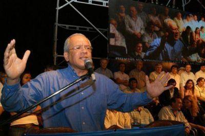 """Isauro Molina: """"En general hay consenso para que sea reelegida la gobernadora de la provincia"""""""