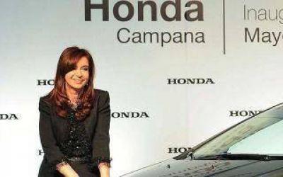 Cristina encabeza un acto en automotriz de Campana