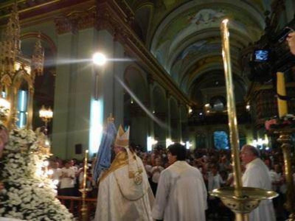 """Con la """"bajada"""" de la Virgen, comenzaron los festejos en honor de la Morena del Valle"""