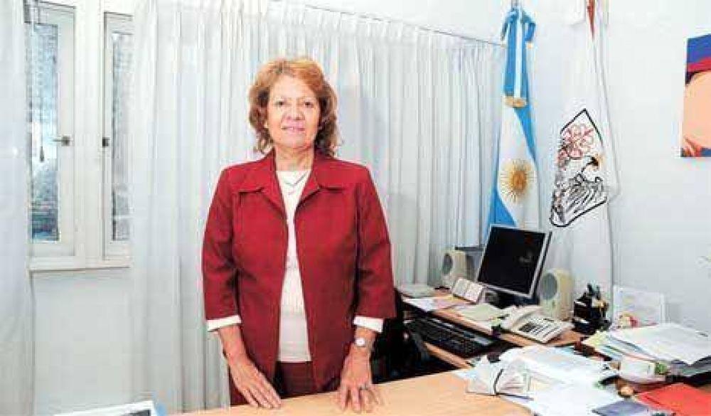 La defensora porteña pide elevar su dieta a $ 27.000