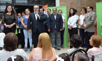 El Gobernador visit� el colegio incendiado, se dirigi� a los alumnos y prometi� m�s obras