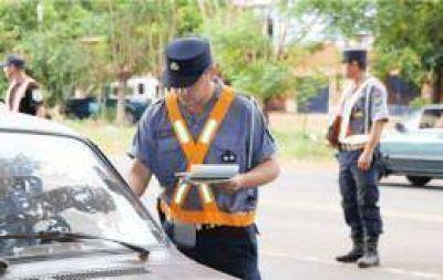 """""""Finde Seguro"""": retuvieron más de 20 vehículos y licencias de conducir"""