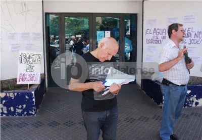 Buscan que ABSA devuelva el dinero mal cobrado en tres cuotas