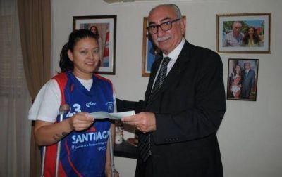 Ayuda para María Cabrera, integrante del seleccionado Argentino de básquet femenino en silla de ruedas