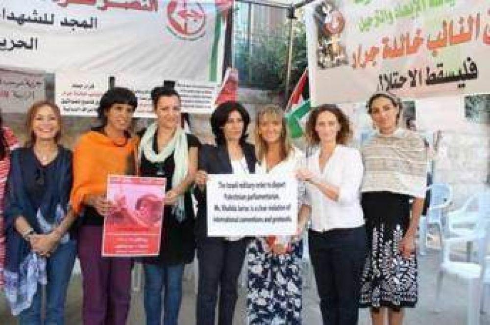 58 eurodiputados exigen la libertad de Khalida Jarrar