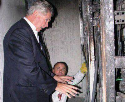 Corchuelo Blasco supervis� los trabajos para restituir la energ�a en el Hospital de Trelew