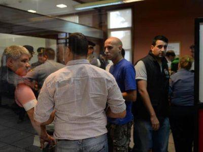 En pocos minutos se llevaron 520 mil pesos de una oficina del Banco Municipal