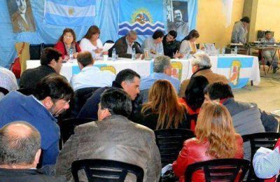 Otra vez juntos: PJ y FPV en el Congreso Provincial en el que no se habló de candidaturas