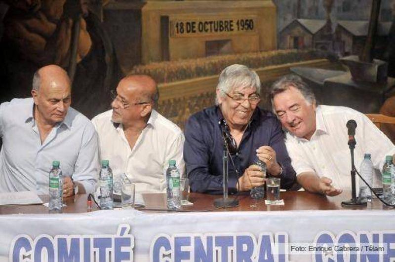 Moyano y Barrionuevo también postergaron las medidas de fuerza