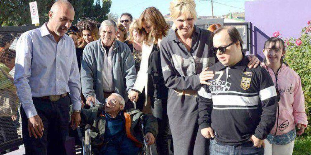 """KARINA RABOLINI EN CHUBUT : """"El apoyo del Estado simplifica las cosas"""""""
