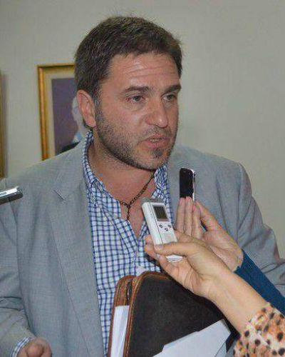 "Diputado oficialista acusó al kirchnerismo de ""fogonear"" protesta"