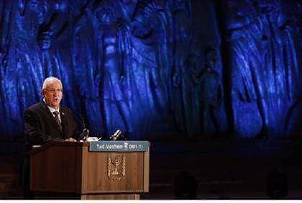 Israel: Presidente Rivlin abordó la ceremonia oficial en el inicio del Día de conmemoración de la víctimas del Holocausto