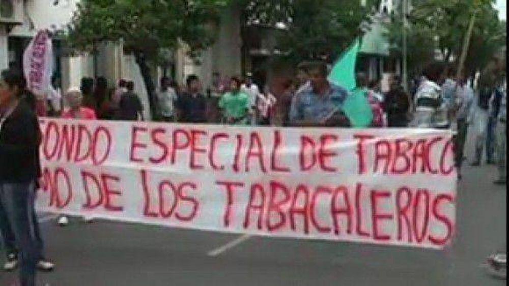 Tabacaleros movilizados reclamaron el pago del Fondo Especial del Tabaco