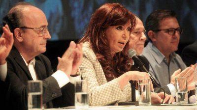 Cristina Kirchner, junto a un sector de la UCR: