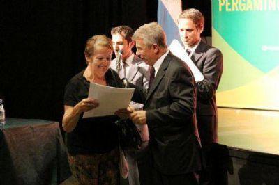 Más de 200 familias de Pergamino ya tienen el título de propiedad de sus hogares