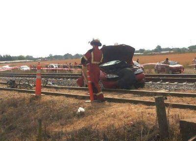 Baradero: Tren arrolló un auto, falleció su conductor