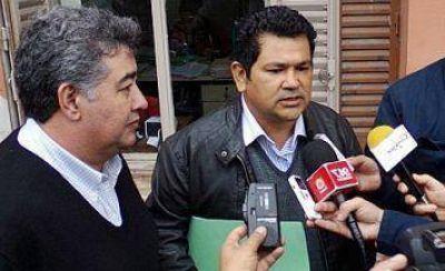 """Concejales del PJ: la audiencia pública de Ayala """"es sólo un paso para justificar el aumento del boleto a $ 4.90"""""""