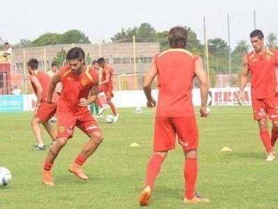 Boca Unidos se prepara para enfrentar a Gimnasia de Jujuy en Corrientes