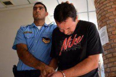 Quedó preso en una cárcel común el acusado de matar a una maestra