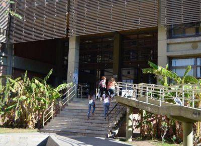 La ADU se reunir� en Buenos Aires para analizar s� van a paro en la �ltima semana de abril