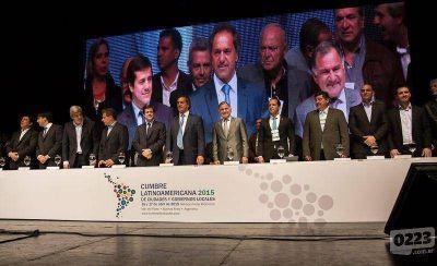 Scioli en la Cumbre de Alcaldes: