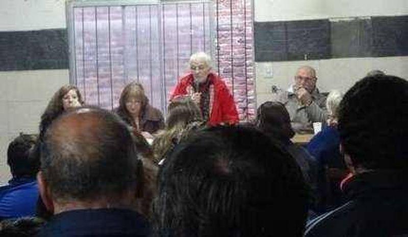 Municipales rechazaron la propuesta y confirmaron el paro