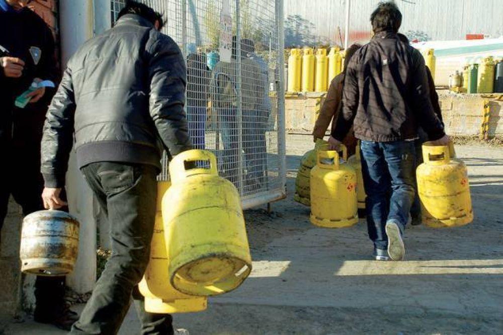 """Subsidios para compra de garrafas: el Gobierno propone que los beneficiarios se empadronen en """"Casa Abierta"""""""