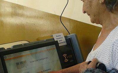 Salta: El Frente político que lidera Romero pidió declarar la inconstitucionalidad del voto electrónico y volver al voto papel