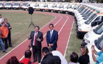Scioli entregó 50 nuevas ambulancias para Tigre, San Fernando y La Madrid