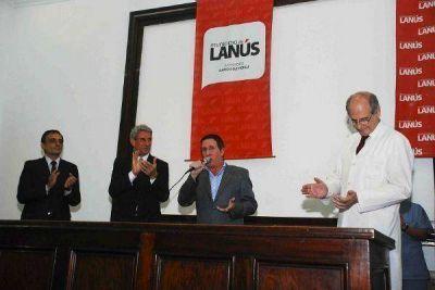 Díaz Pérez firmó los contratos de inicio de obras para el Hospital Evita
