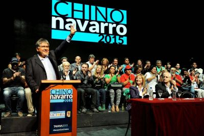 """Con gestos a Scioli, el """"Chino"""" Navarro puso primera en la carrera por la gobernación"""
