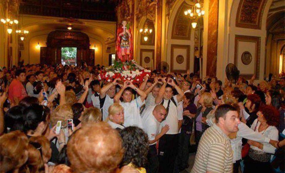 Mas de 100.000 personas venerarán a San Expedito en Buenos Aires