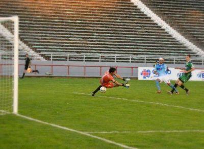 Unión volvió al triunfo con una goleada ante Sportivo Belgrano por 4 a 0