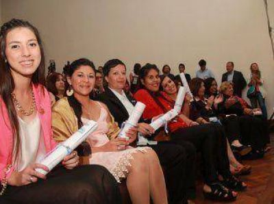 Se realizó la primera entrega de diplomas a egresados de la Universidad Nacional Arturo Jauretche