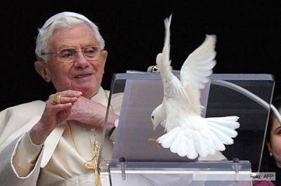 """A diez años de haber sido elegido Papa y a dos de su renuncia, """"Benedicto tiene la conciencia tranquila"""