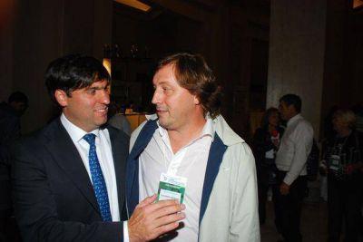 Guillermo Santellán junto a Diego Bossio en la Cumbre de Gobiernos Locales