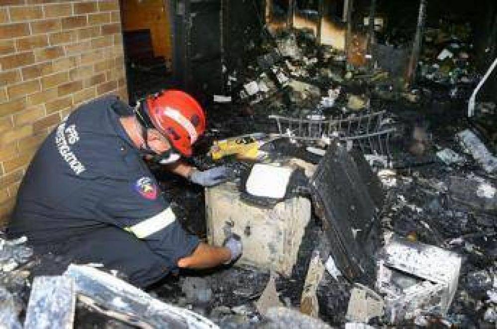 Musulmanes perdonan a los autores del incendio de una mezquita en Australia