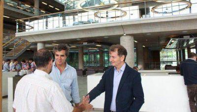 """Borthagaray propone construir """"centros cívicos en las comunas"""""""