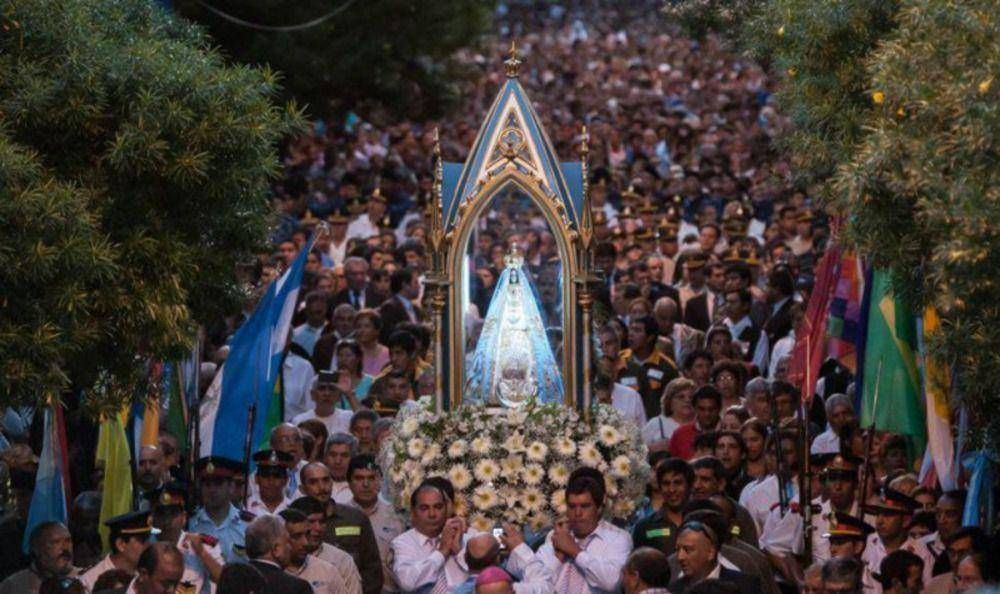 Catamarca: Multitudinaria procesión en honor de la Virgen del Valle