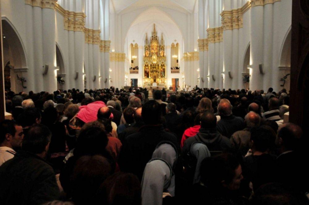 Miles de santafesinos peregrinaron junto a la Virgen de Guadalupe