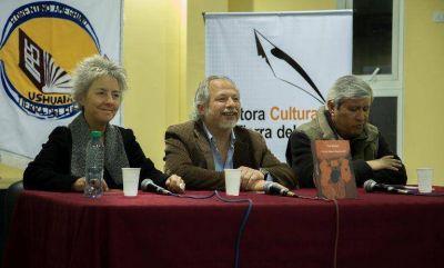 Gobierno apuesta fuertemente al fomento de la literatura local