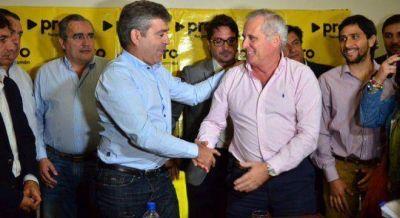 Cano negocia con el PRO para no tener un rival macrista en Tucumán