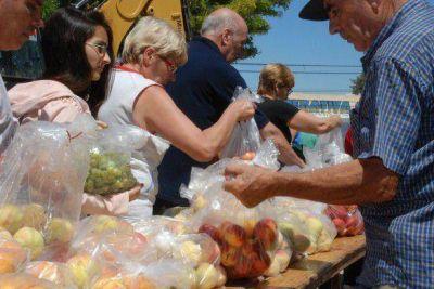 """Vecinos de Juana Koslay piden al intendente que gestione la llegada de """"Alimentos para todos"""""""