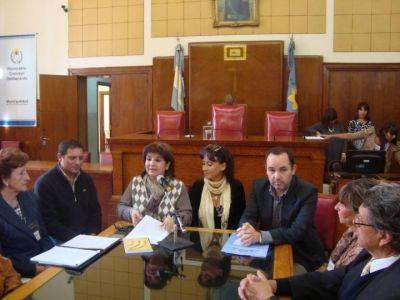 """El Concejo Deliberante entregó distinción a los """"Abuelos Narradores"""""""