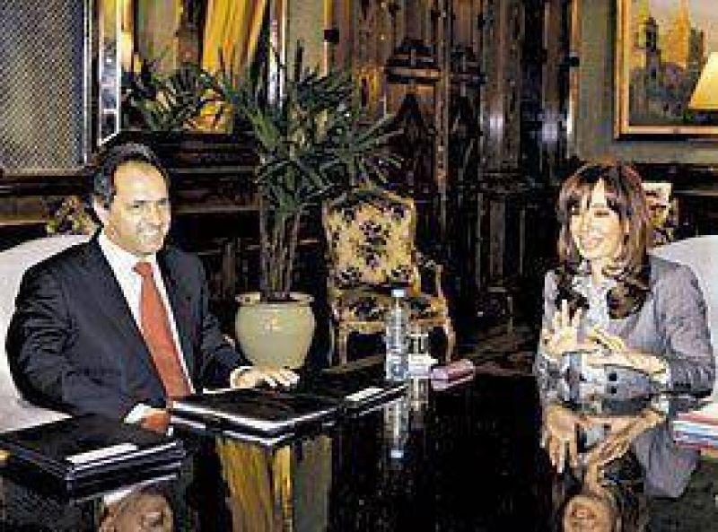 Versiones distintas de Scioli y Aníbal por la reunión con Cristina